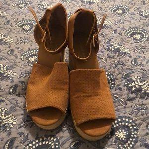 Altered state sandal